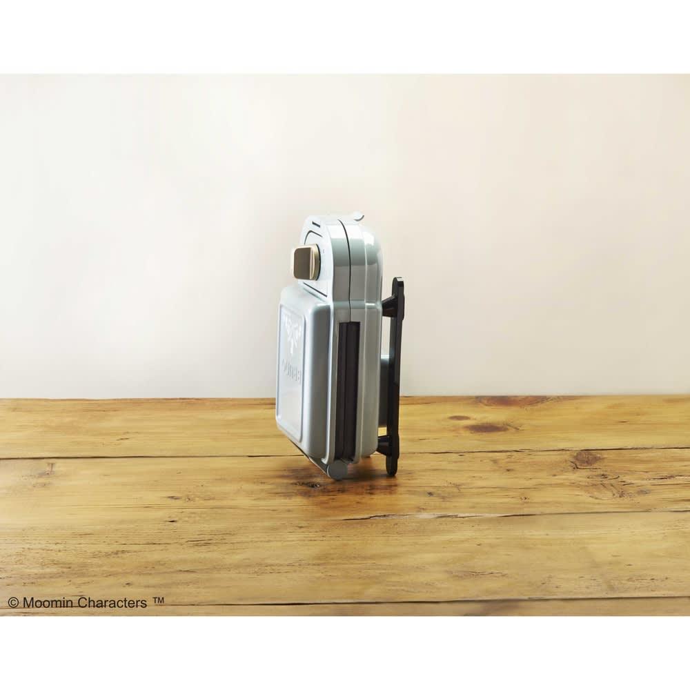 BRUNO ムーミン ホットサンドメーカー シングル(1枚焼き) 本体は縦置きできるので、狭い場所にも収納できます。