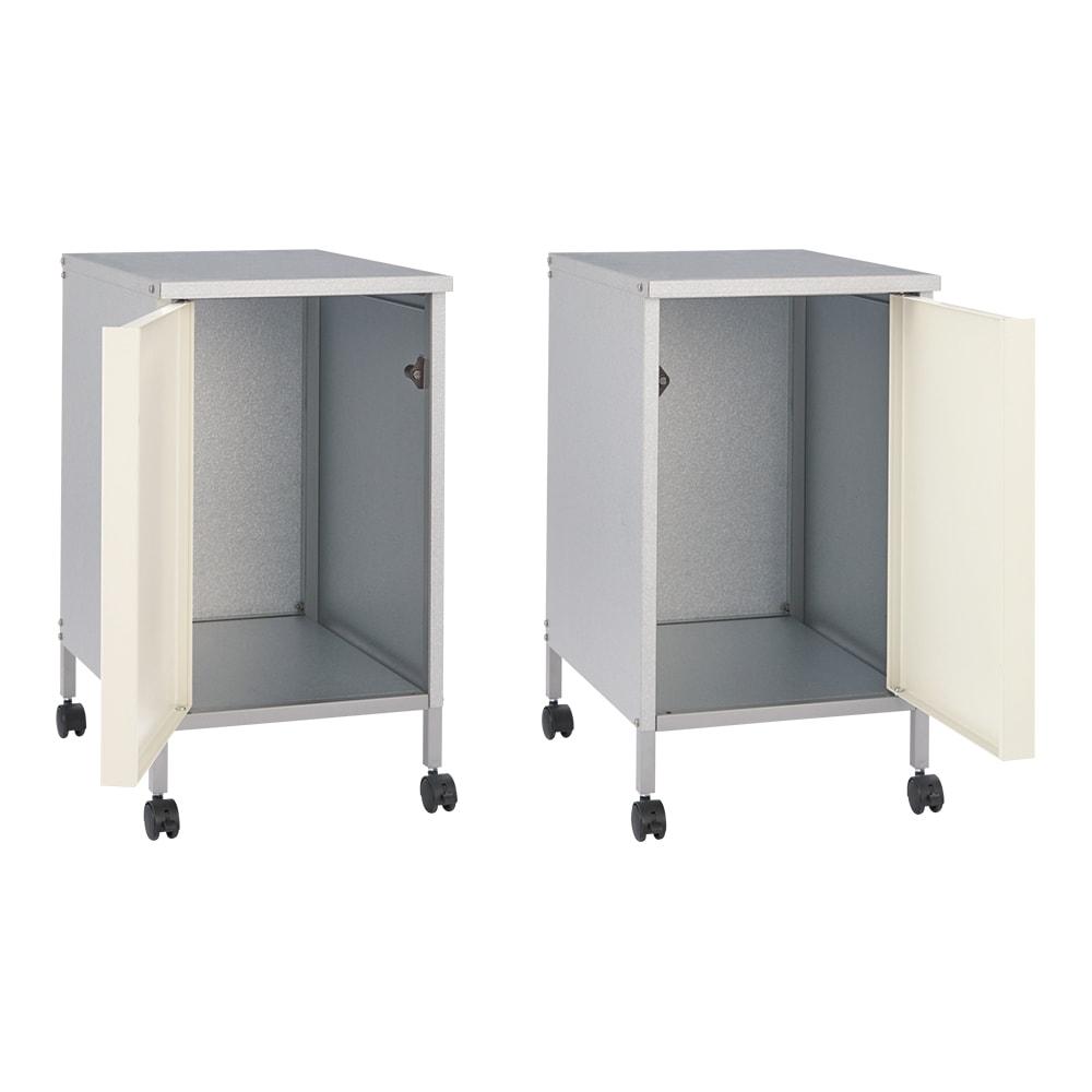 ベランダ物干しサポートワゴン キャスター付き収納庫 (ア)オフホワイト 扉は右左どちら開きにも組み立てられます。