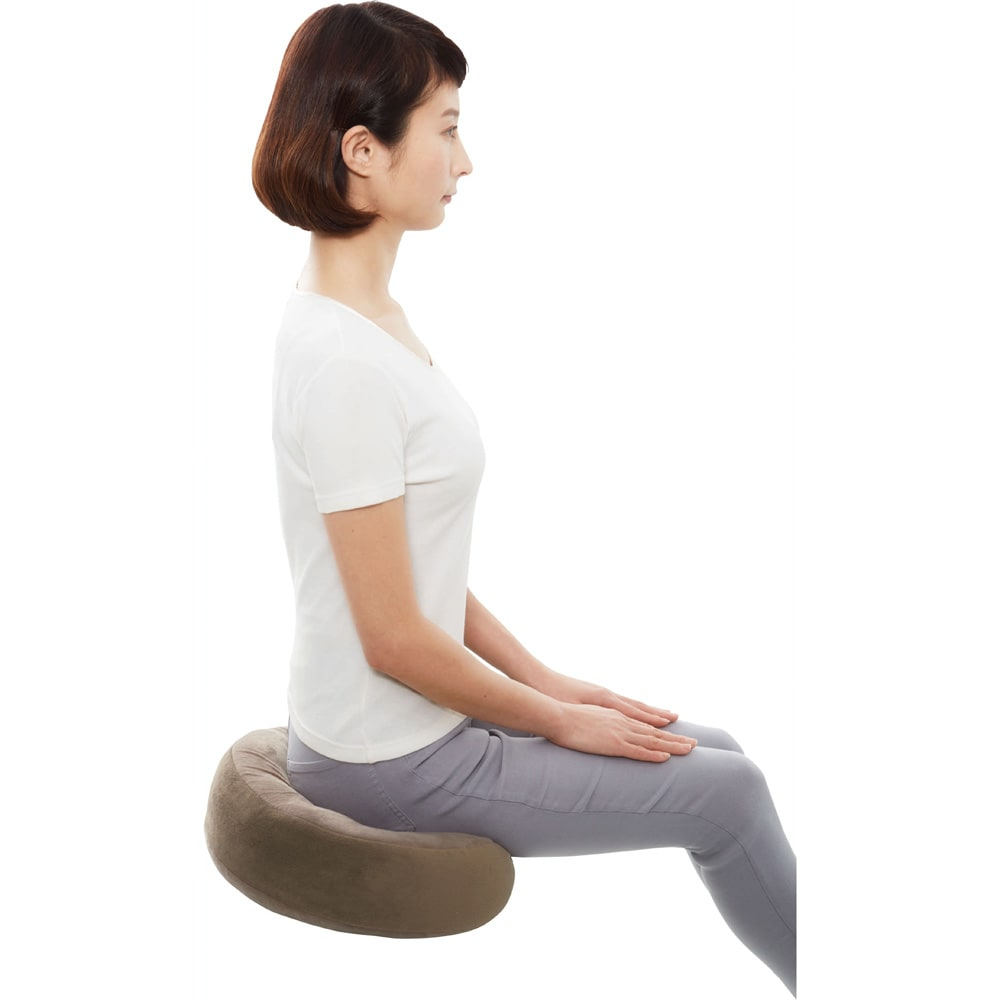 オフィスにもごろ寝にも! 骨盤ホールドクッション 長時間座っても疲れにくいクッションです