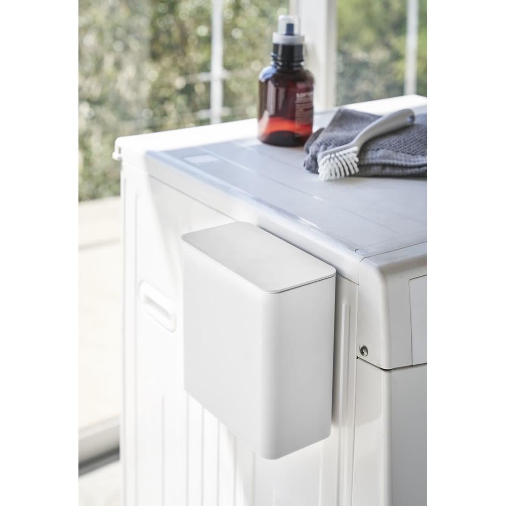 Tower/タワー マグネット洗濯洗剤ボールストッカー 洗濯機横にマグネットで簡単取り付け。