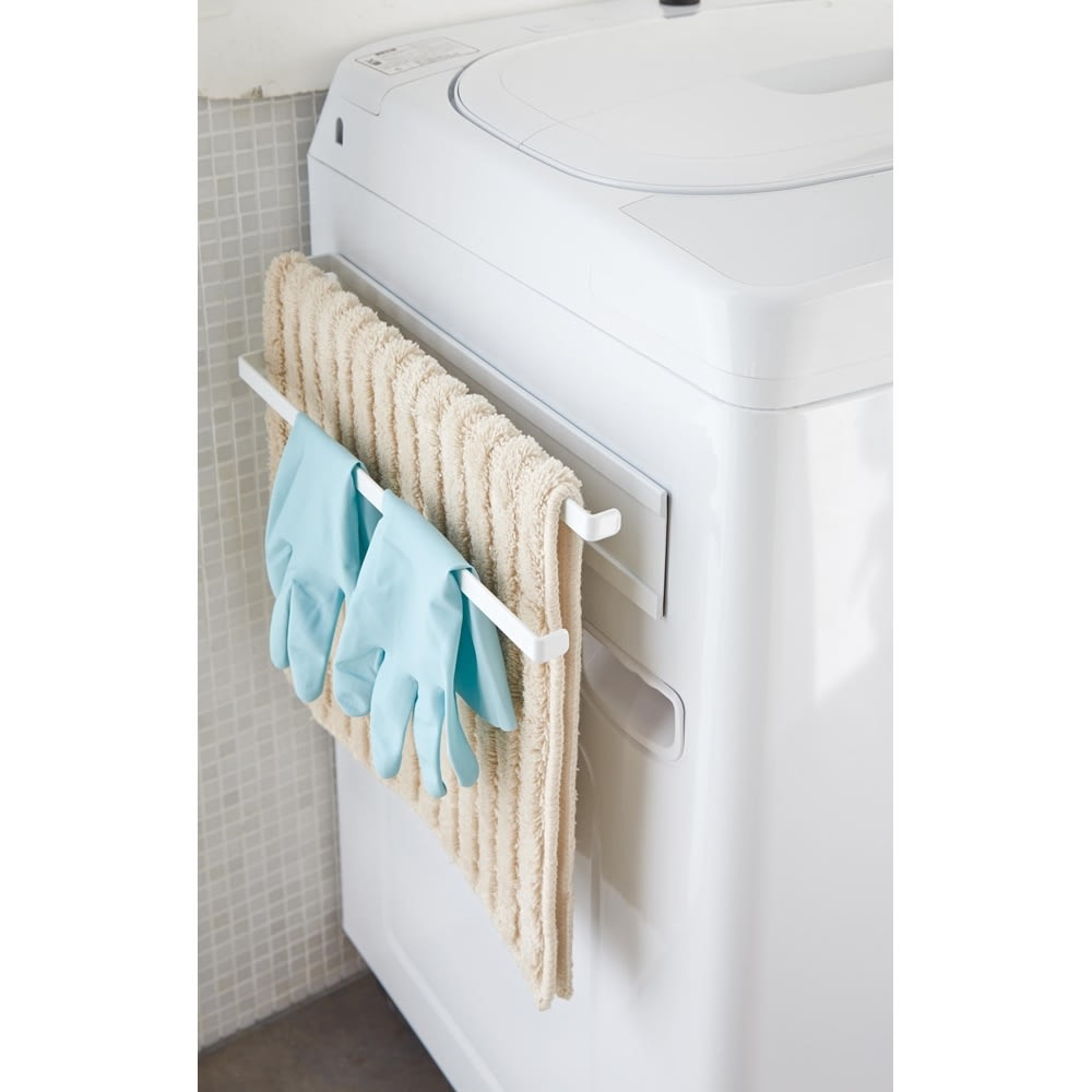 Tower/タワー 洗濯機横 マグネット タオルハンガー2段 洗濯機横のデッドスペースを便利に活用できます。