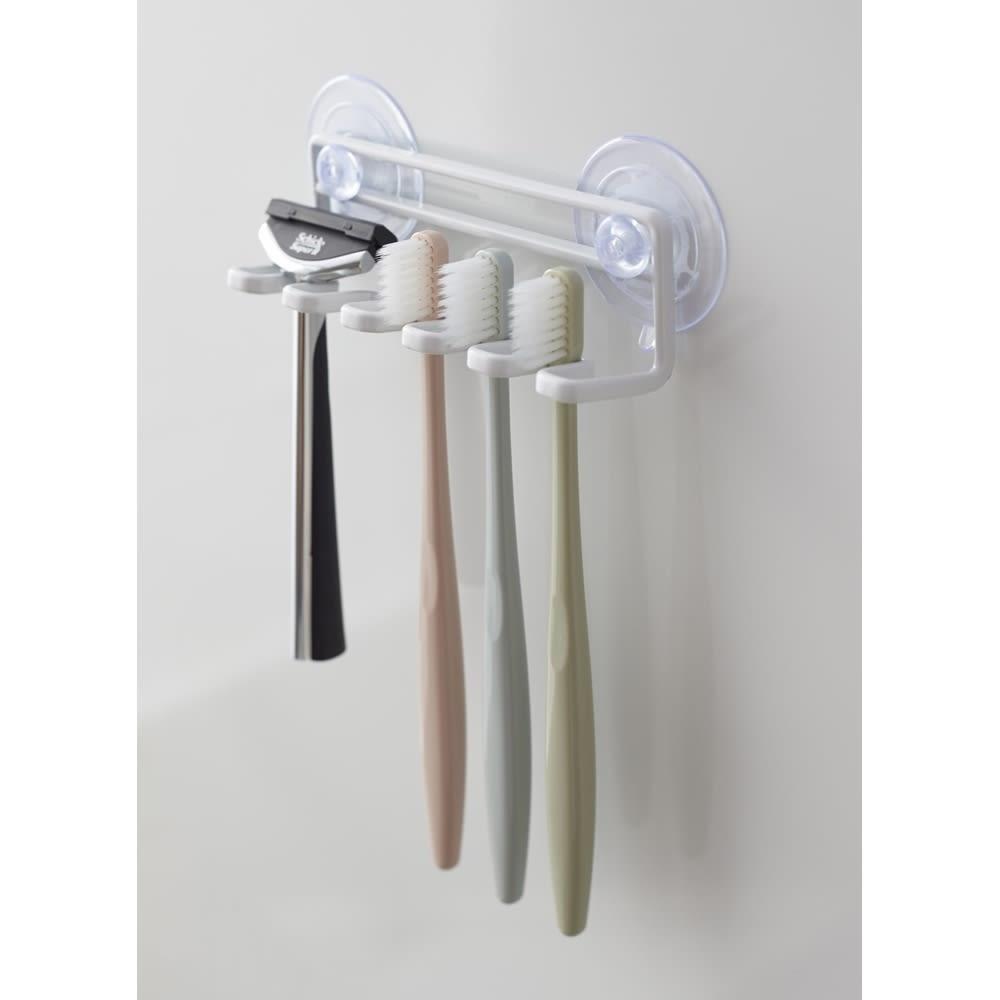 Tower/タワー 吸盤トゥースブラシホルダー 5連 ・シェーバーや替えの電動歯ブラシの収納に。
