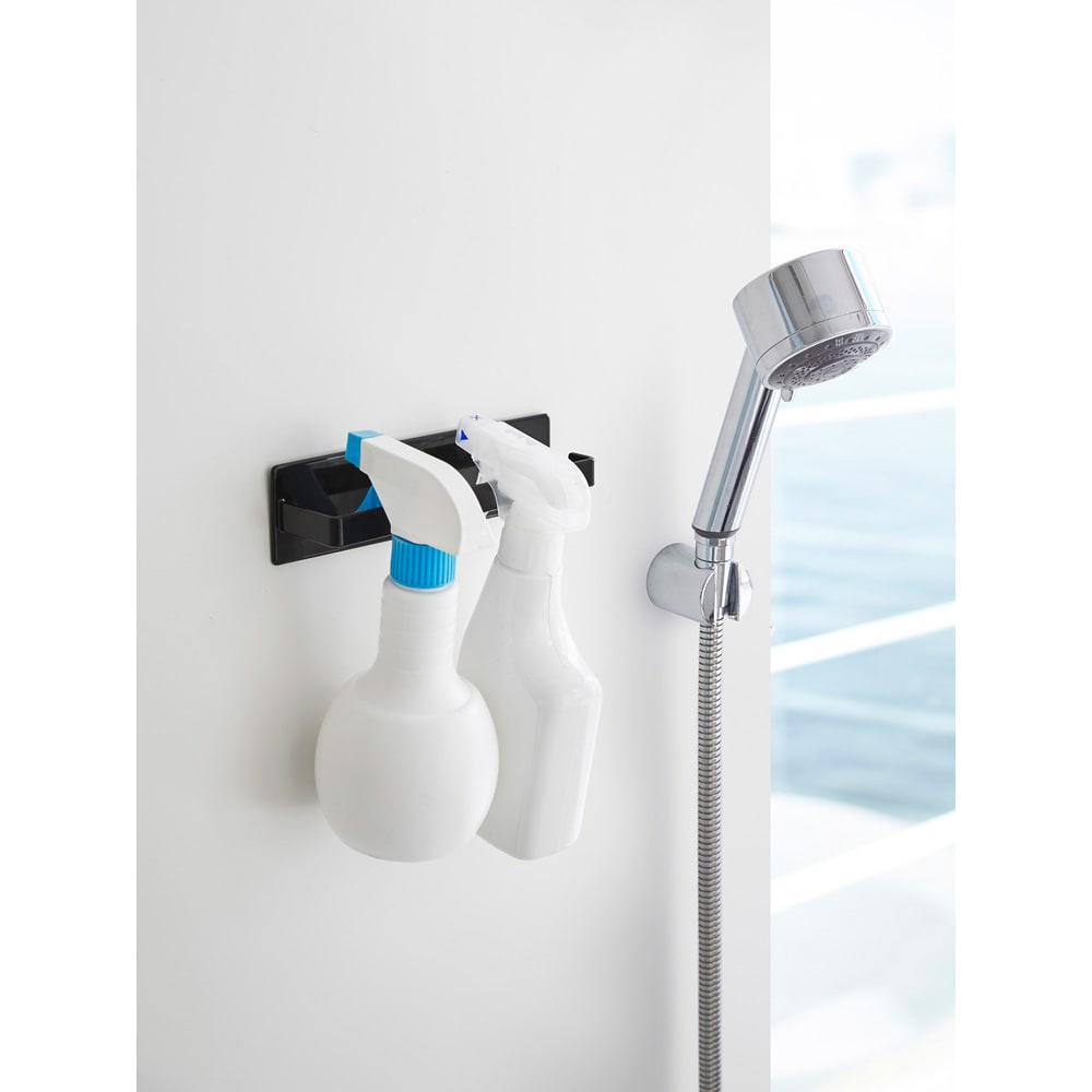 Tower/タワー マグネット バスルームタオルハンガー 壁面を傷つけにくく、錆びにくいラバータイプのマグネットでピタっと壁面に簡単に取り付け