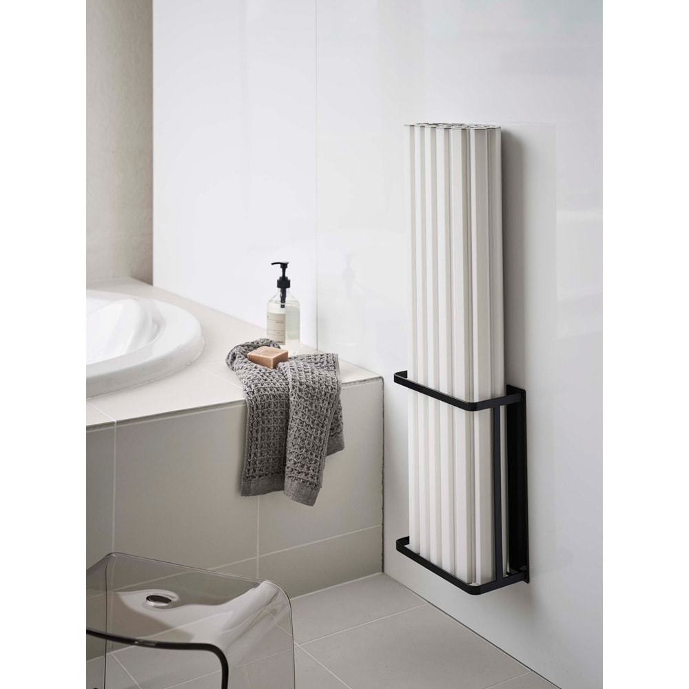 Tower/タワー マグネットバスルーム折り畳み風呂蓋ホルダー 強力マグネットでずり落ちにくい。