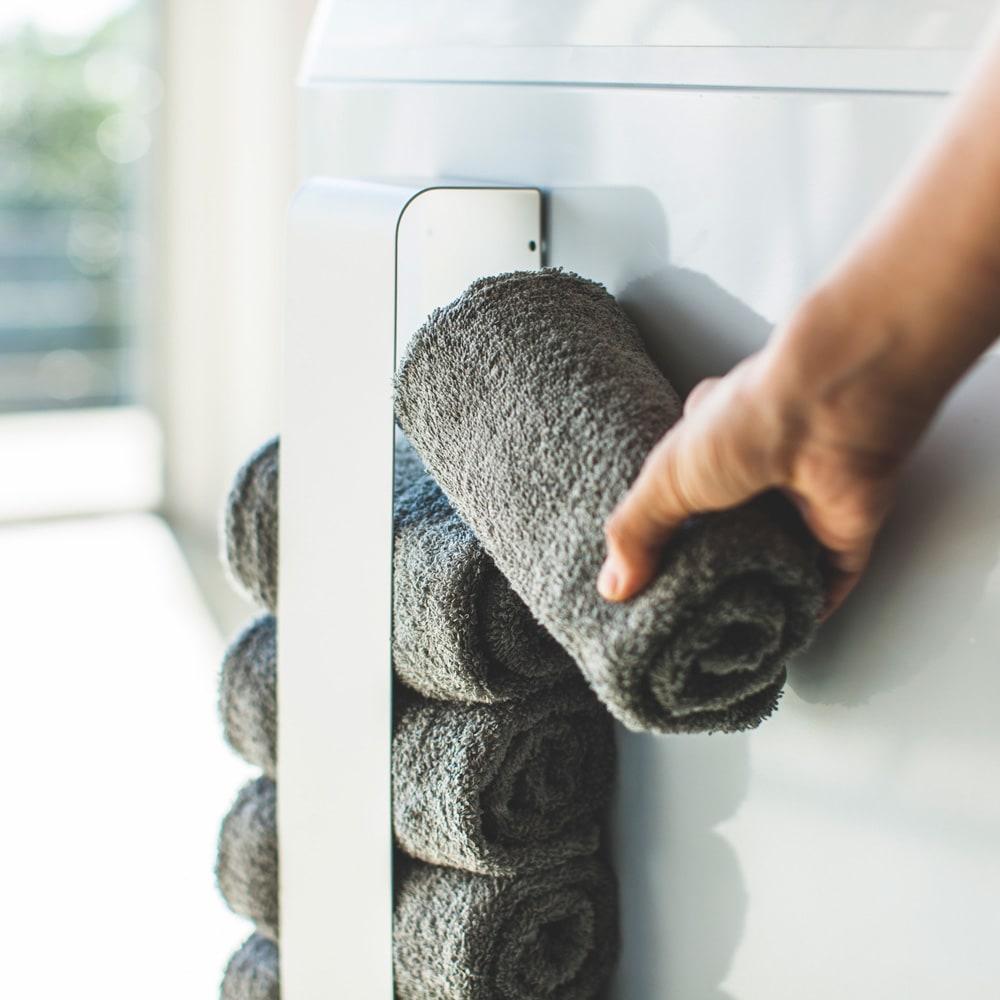 Tower/タワー マグネットタオルホルダー 洗濯機に取り付ければ洗面所のタオルがすぐ取れて便利