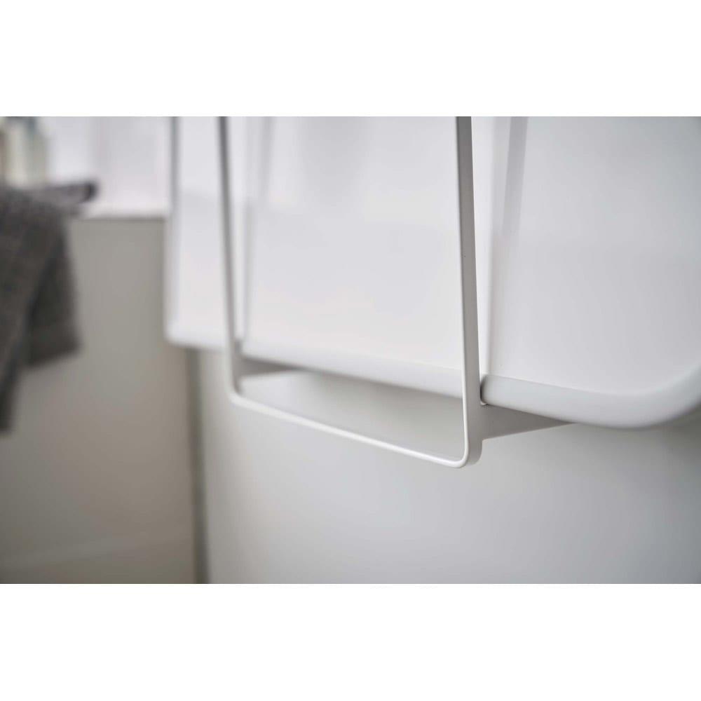 Tower/タワー 乾きやすいマグネット風呂蓋スタンド マグネットで好きな位置に設置できます