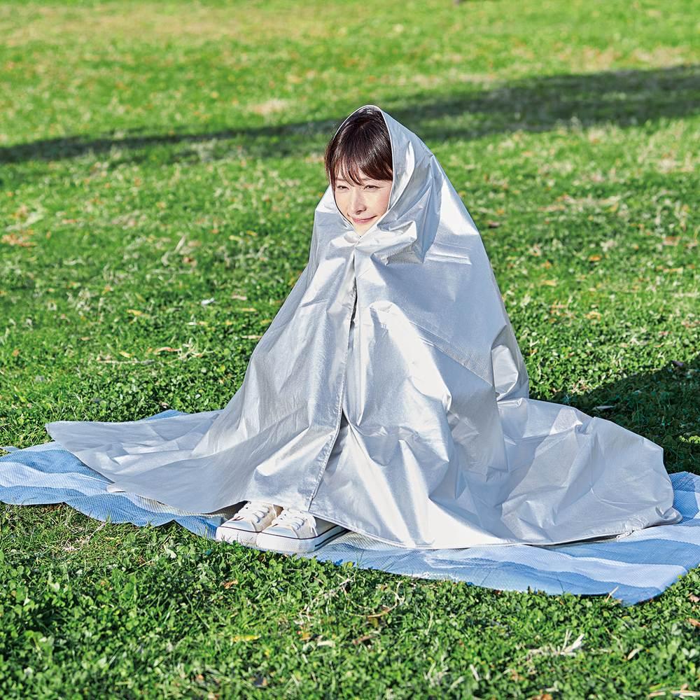 3wayコンパクトアルミ寝袋 体を包みこんで暖かさをキープ。