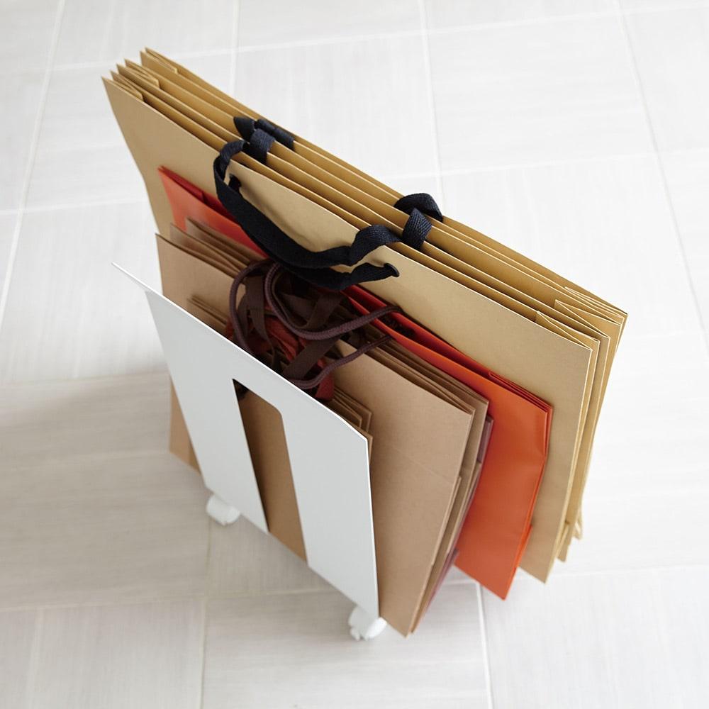 ダンボール&紙袋ストッカー フレーム 紙袋もすっきり収納できます。