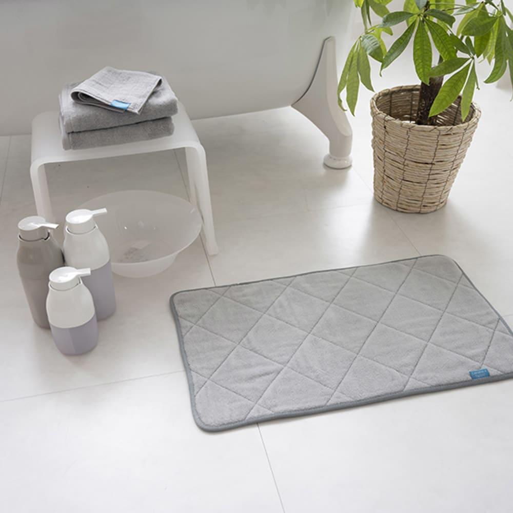 乾度良好(R)  PLYS カララカ バスマット (エ)ネイビー ※写真は約50×70cmタイプです。