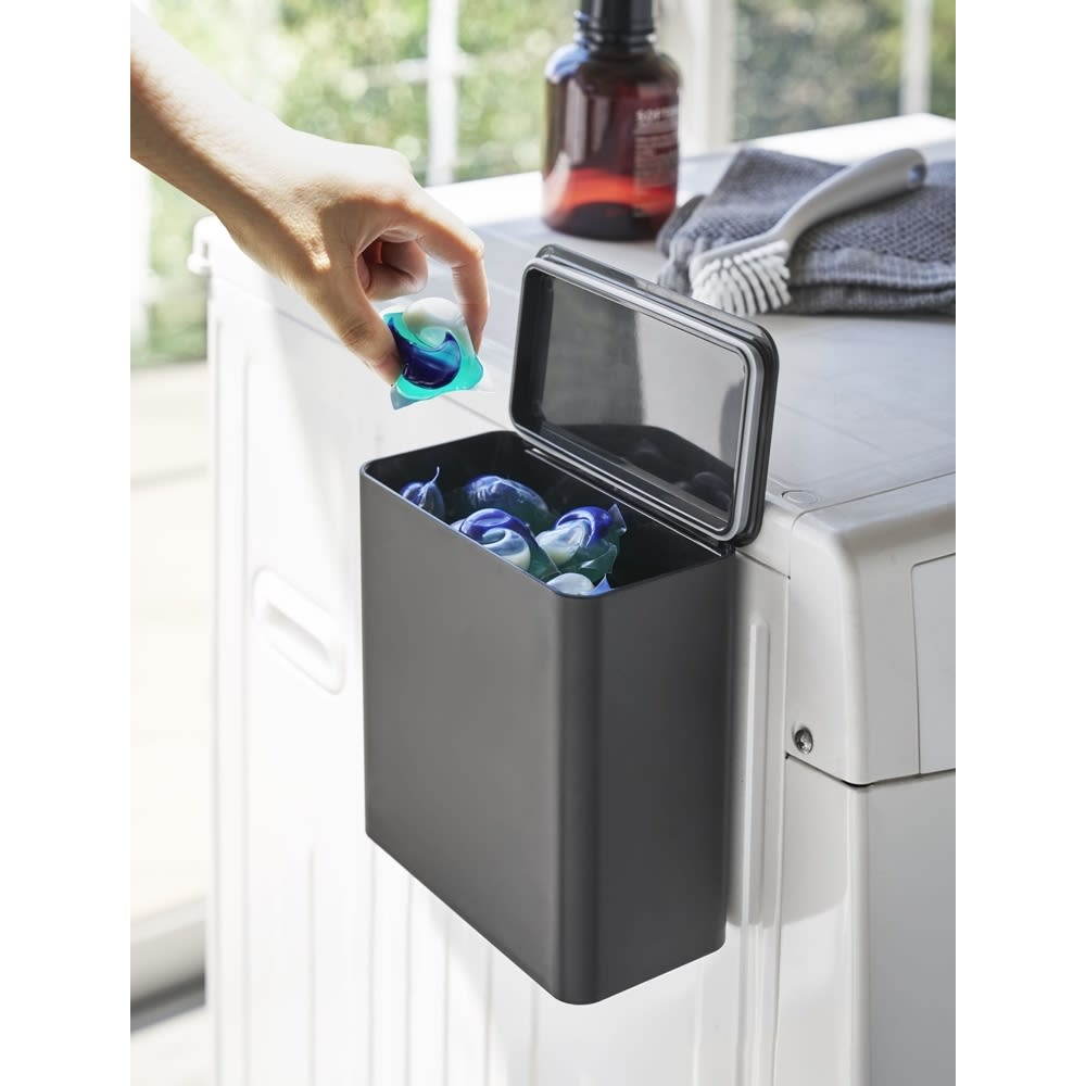 Tower/タワー マグネット洗濯洗剤ボールストッカー ホワイト/ブラック 日用品・便利グッズ