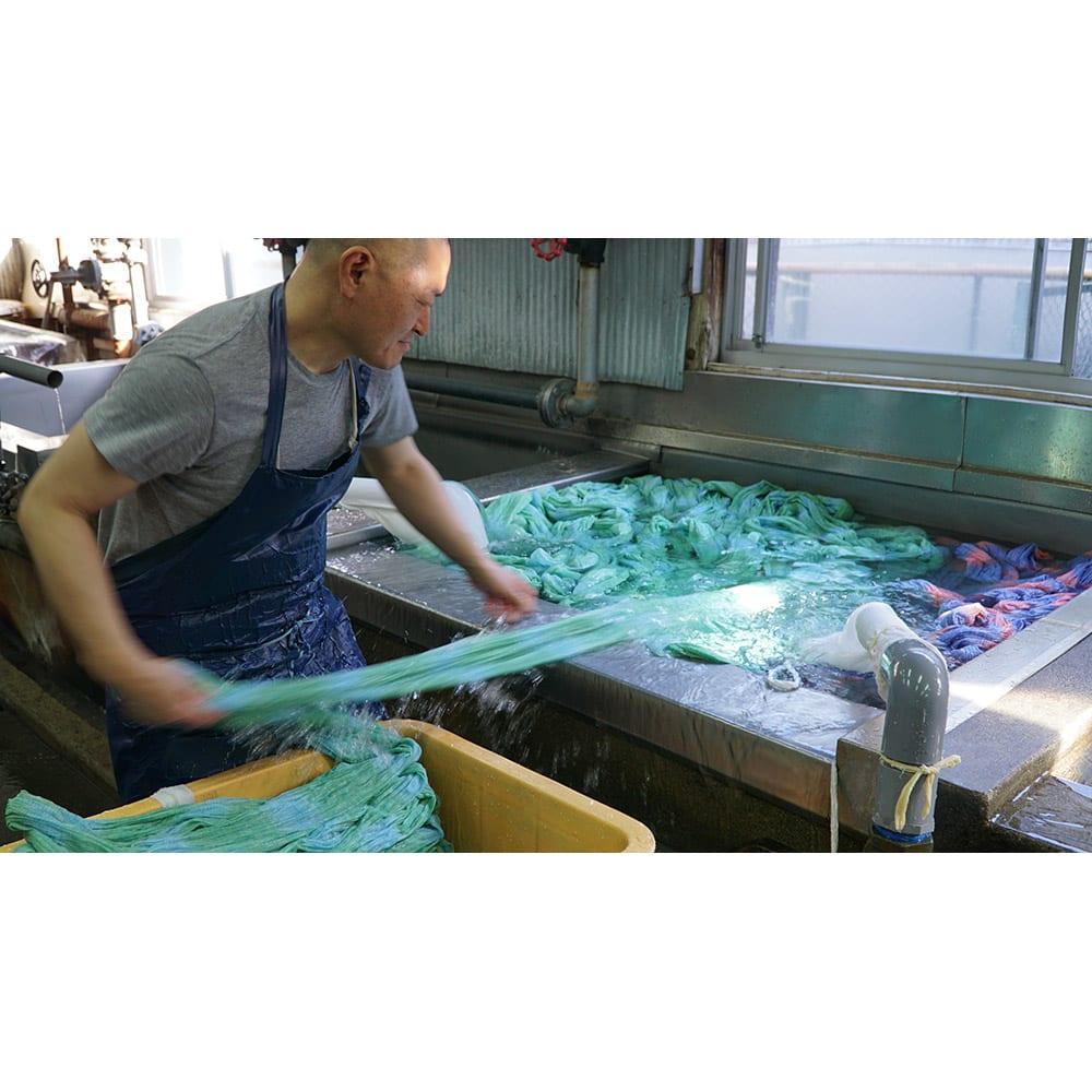 季ノ布 ふわり軽やか 初夏の彩り 洗える麻肌掛けふとん シングルサイズ 工程(2)一本水洗い