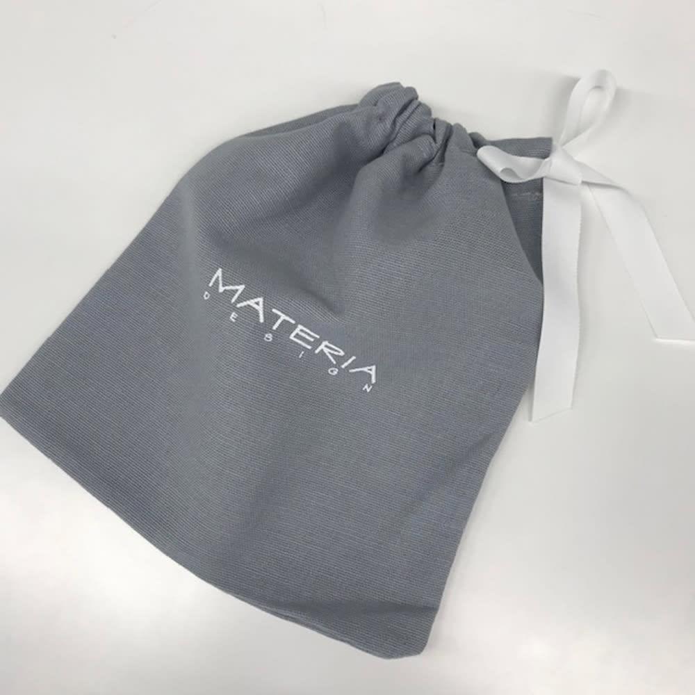 マテリアデザイン コイルネックレス 巾着タイプの収納ポーチ付き