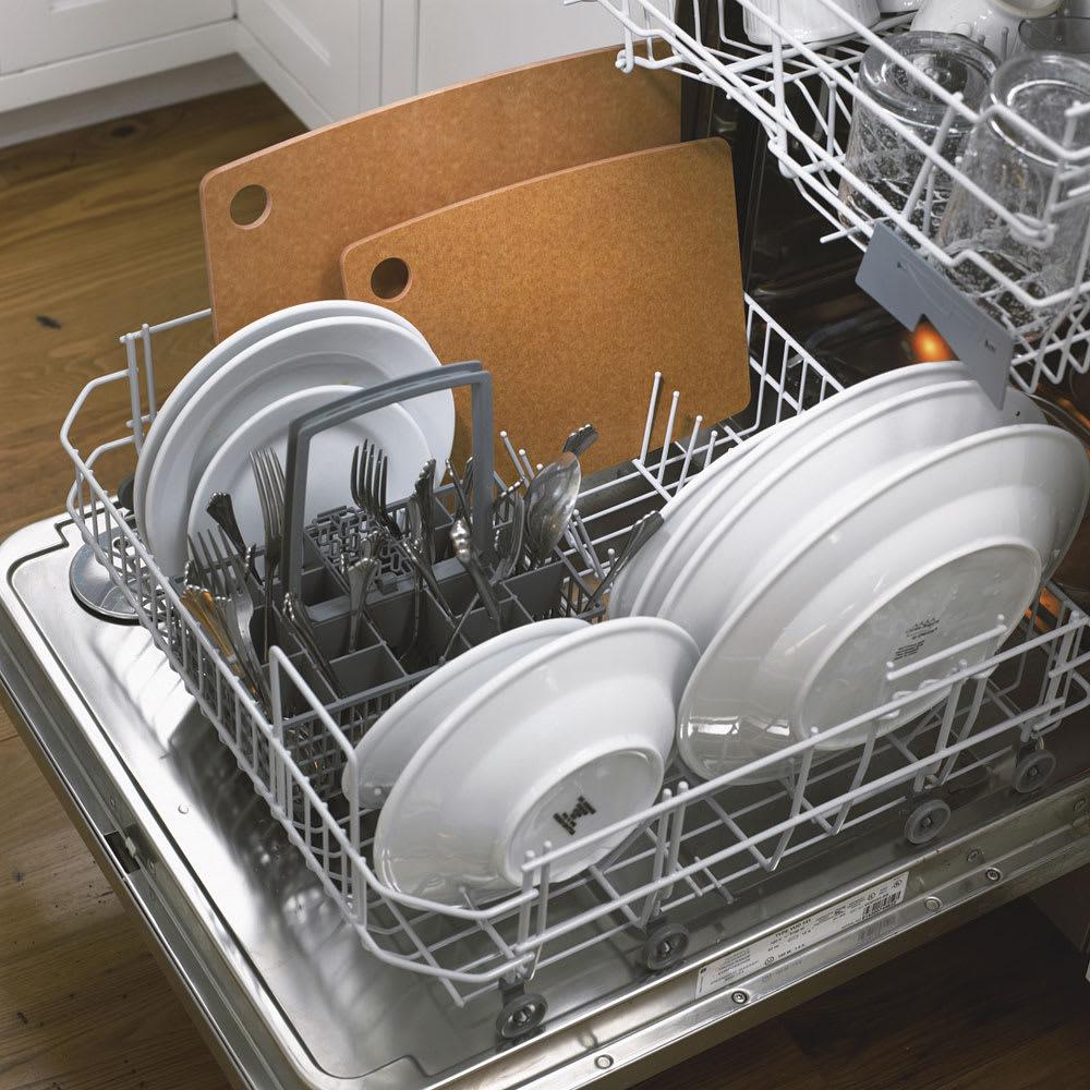 epicurean カッティングボードM 食洗器使用可能。