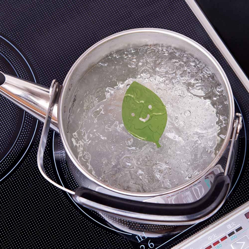 まろやか美味しいお茶っぱちゃん お茶を淹れる前のお湯に入れても効果を発揮します。