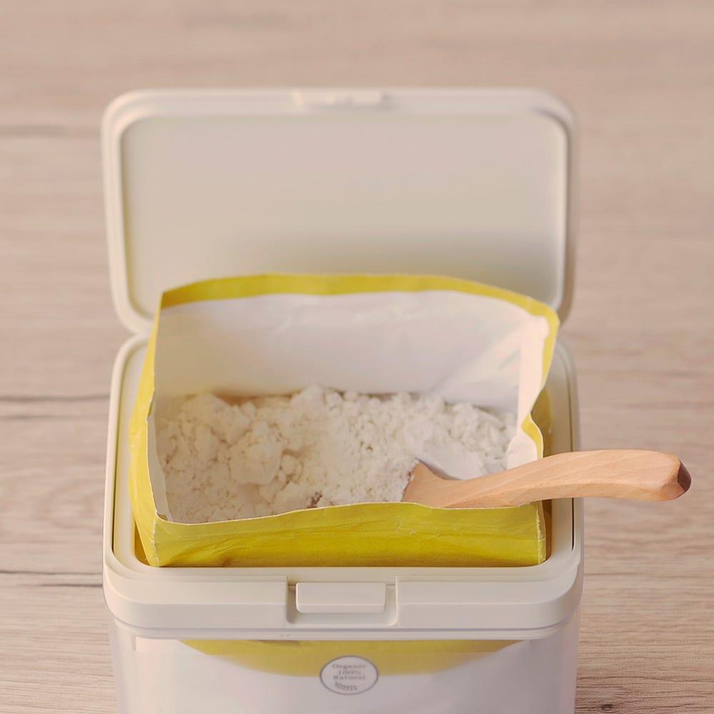 マーナ保存容器ワイドトール (イ)ホワイト ※調味料などが袋ごと入ります