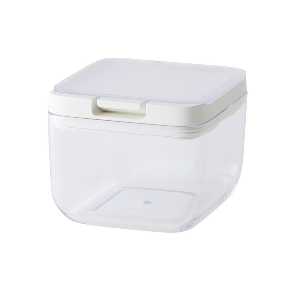 マーナ保存容器ショート (ア)クリア。フタが半透明になっています。