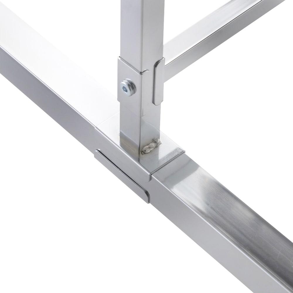 プロ仕様 頑丈ハンガーラック「リモニ」 シングルタイプ・幅150cm 隙間を作らない設計で強度をアップ。ネジ止めだけでなく面で固定する方法を採用。ハンガーラック特有のぐらつきを抑えます。