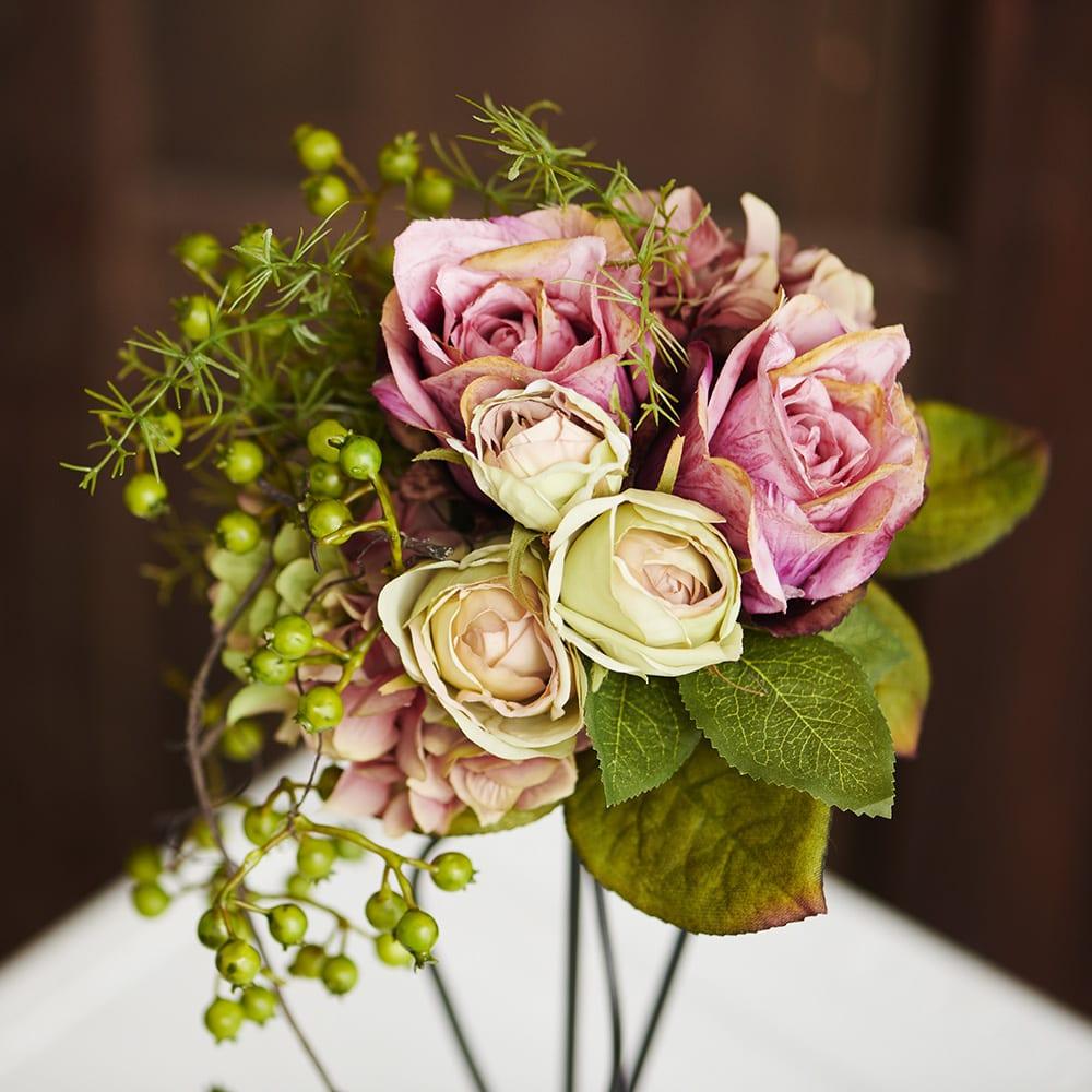 モーブローズのアイアンアレンジ ブーケのようなぎゅっと寄せたシャビーカラーのバラ
