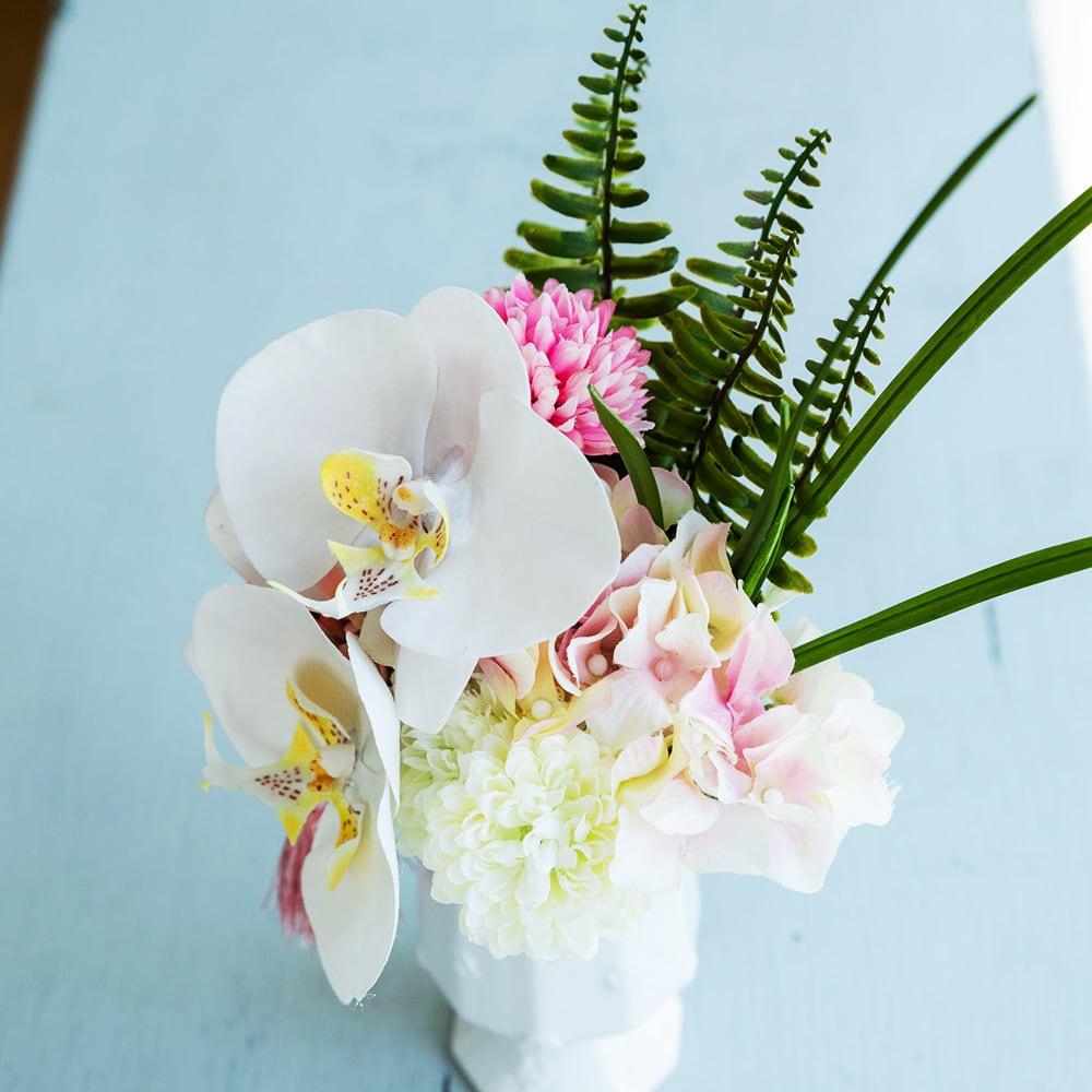 PRIMAタッセル付き供花ホワイトピンク