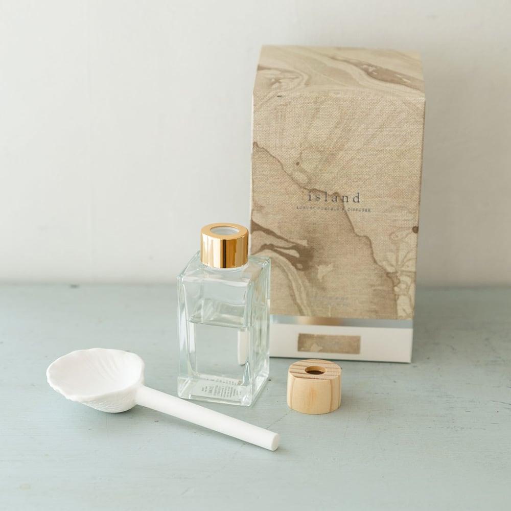 ZODAX アイランド ポーセリンディフューザー ポーセリン(磁器)部分をオイルにさして香りを楽しんで!(ウ)シェル