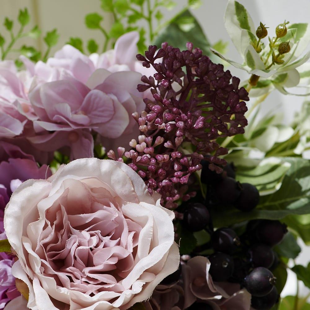 PRIMAメルシーブーケ ピンクパープル系 ピンクのラナンキュラスやアジサイ・ベリーなど人気の花材を束ねました