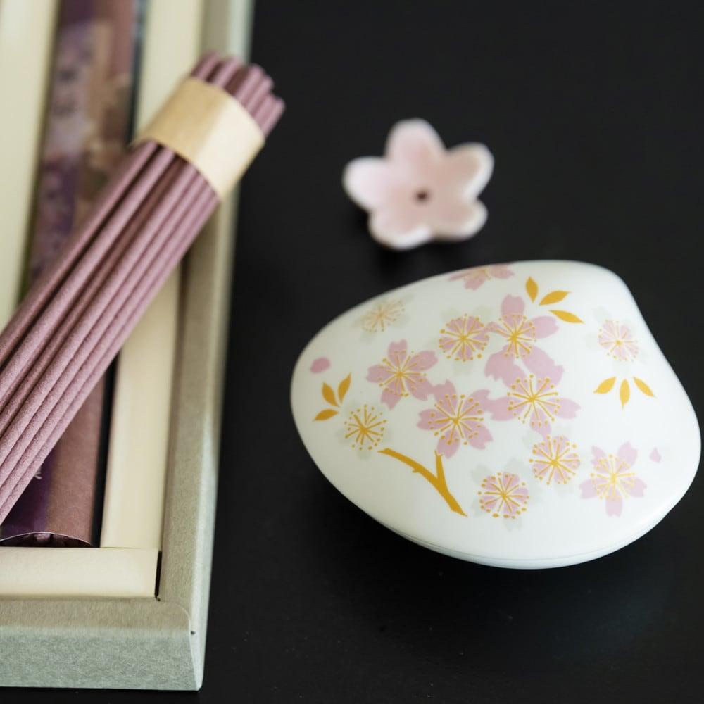 4種の桜のお香&貝の香皿 セット 4種の桜の香りのお香と香皿、香立てのセットです