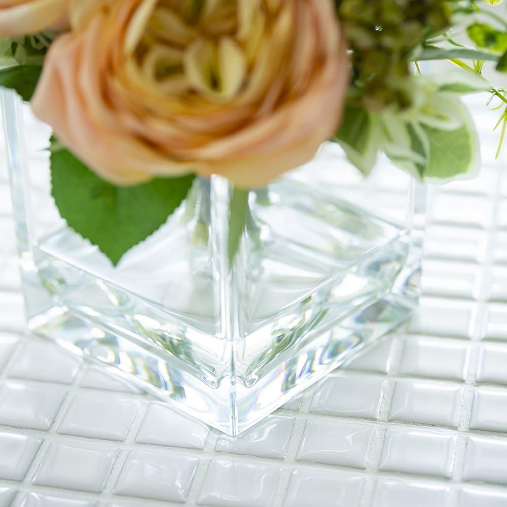 ローズマジックウォーターアレンジメント ガラスのように見えるクリアな花器は落としても割れないポリカーボネート製