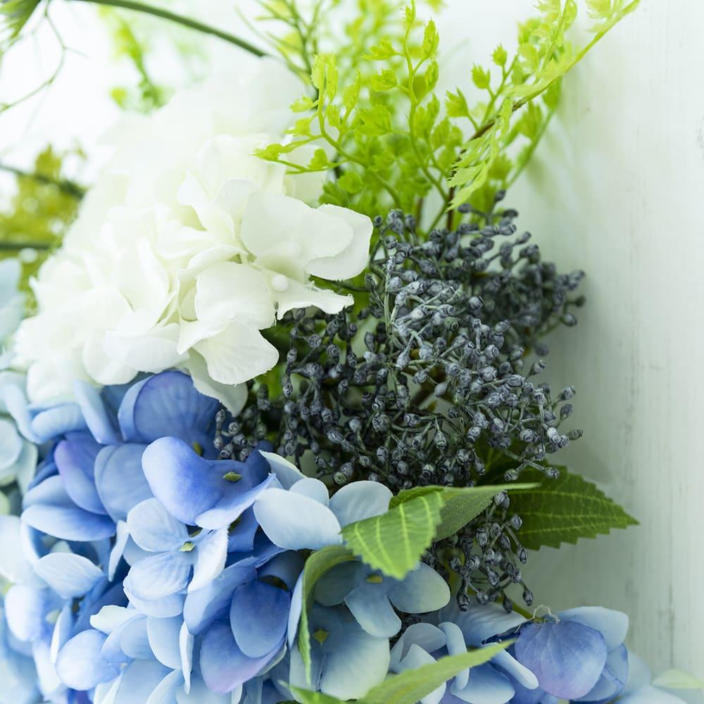 あじさいのスワッグ 3種のアジサイ、また同系色の花でまとめました