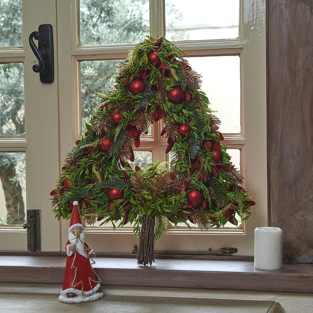 ウォールツリー レッド お部屋を明るくしてくれるクリスマスアイテムです