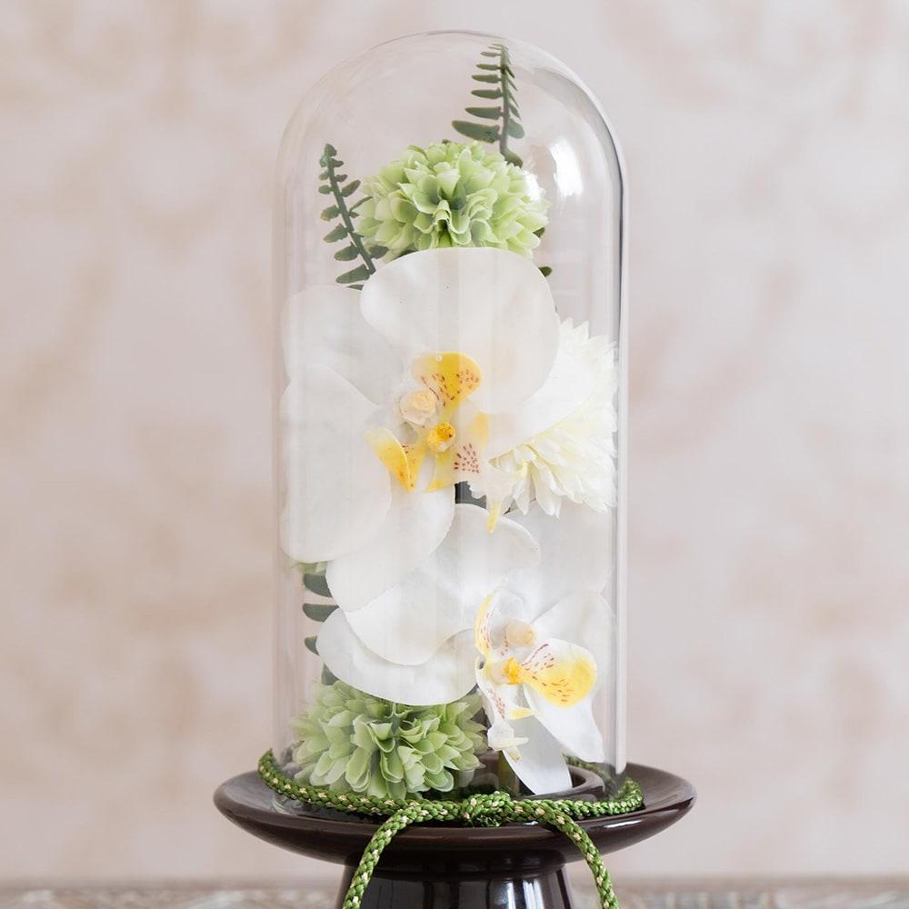 ガラスドームの供花 胡蝶蘭
