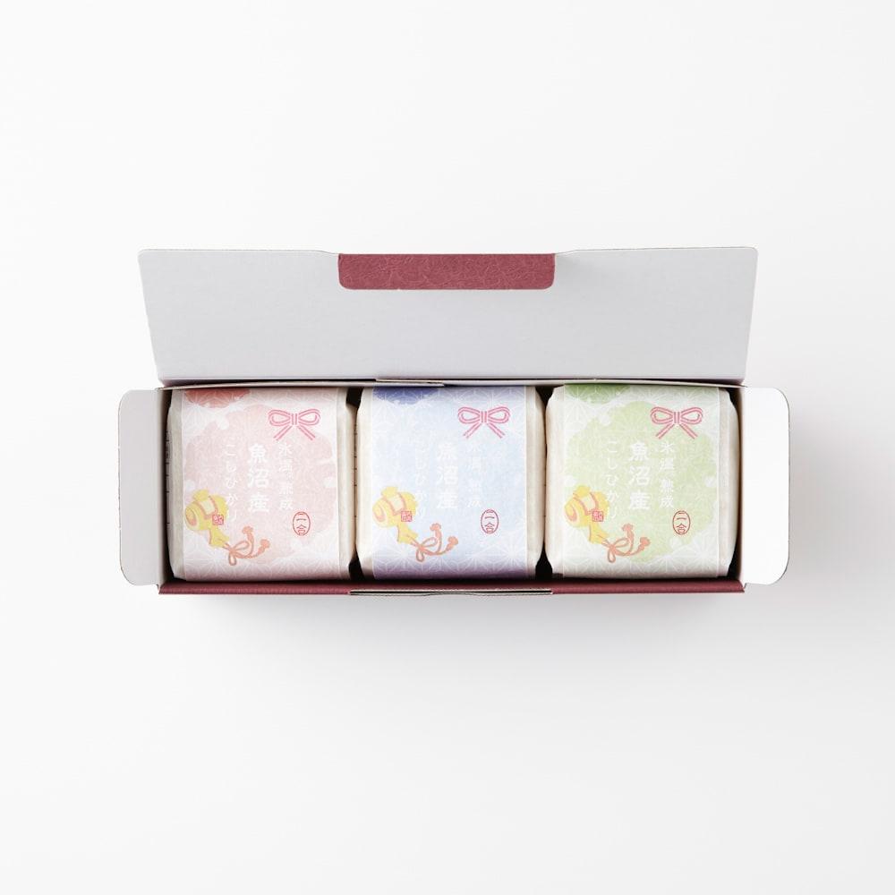 氷温熟成 魚沼産こしひかり ギフト3個セット(選べるのしタイプ) 化粧箱に入れてお届けします