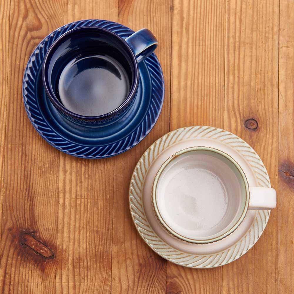 ポトペリー blur ペア デミタス コーヒーカップ&ソーサー 岐阜県に昔から伝わる胆礬(たんぱん)という技法を用いた、彫り込みと色彩が美しい。