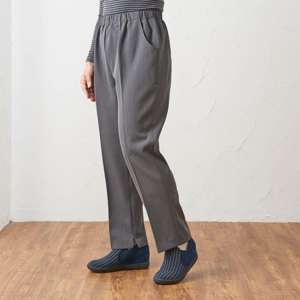 カインドケア/くつろ着パンツスタンダード婦人用3L グレー着用イメージ ※着用モデル身長:152cm 同商品のサイズ違いGF0338(Mサイズ)を着用しています