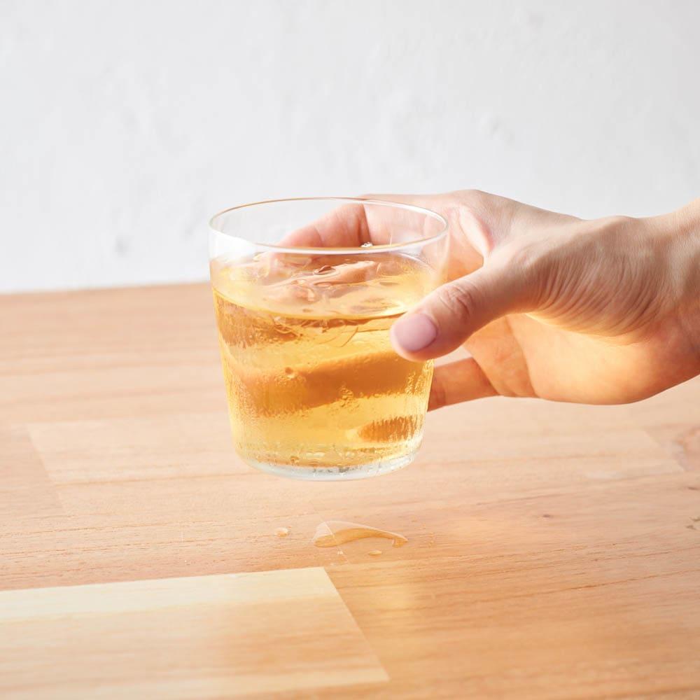 ボダム PAVINAダブルウォールグラス250ml(2個セット) 一般的なグラスだと、時間がたって、テーブルに水滴がつきがち・・・。