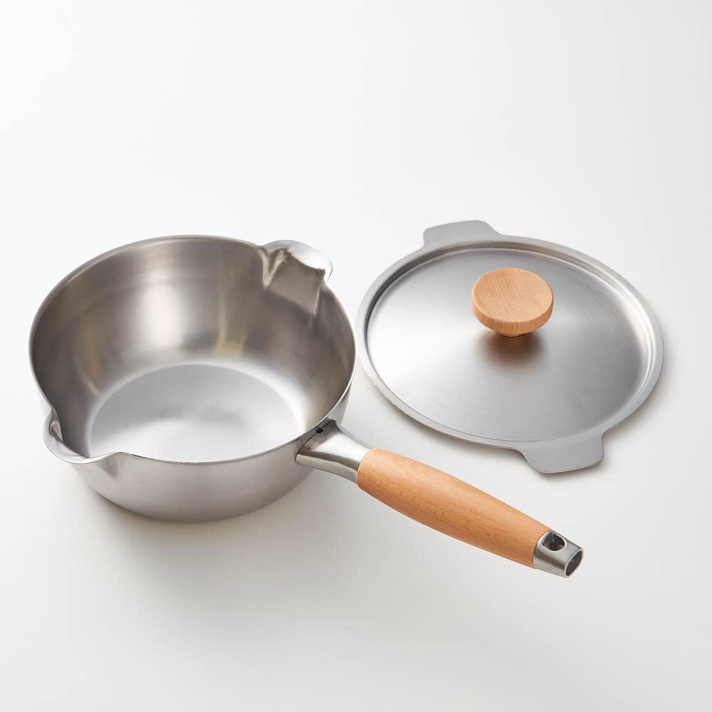aikata/アイカタ 両口ステンレス雪平鍋18cm・フタセット 煮汁がまんべんなく対決し、美味しさが引き出せるように鍋には程よい丸みを持たせました。