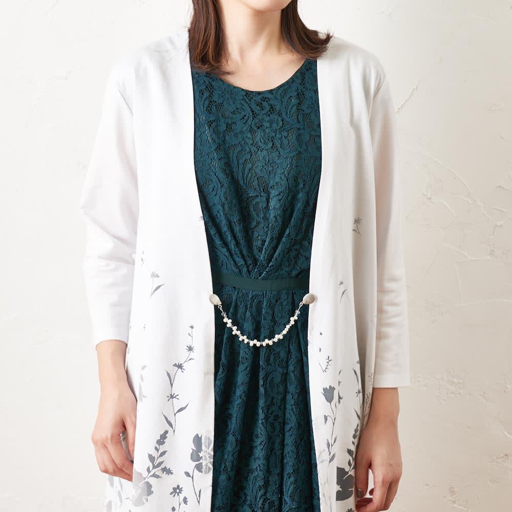 ファッションクリップ 淡水パールタイプ 特許取得 着用例 (ア)ホワイト