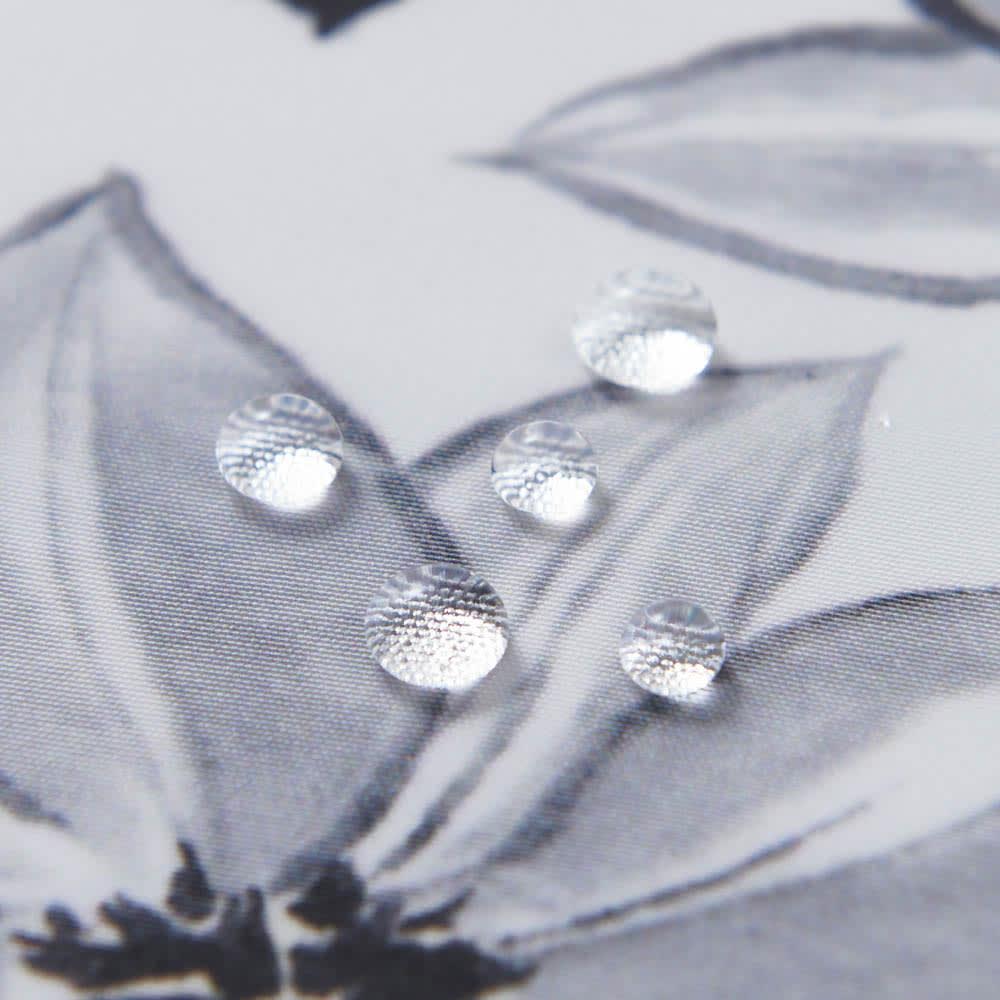 朝倉染布 濡れない撥水ふろしき 雪月花「花」 撥水機能付きで水をはじきます。