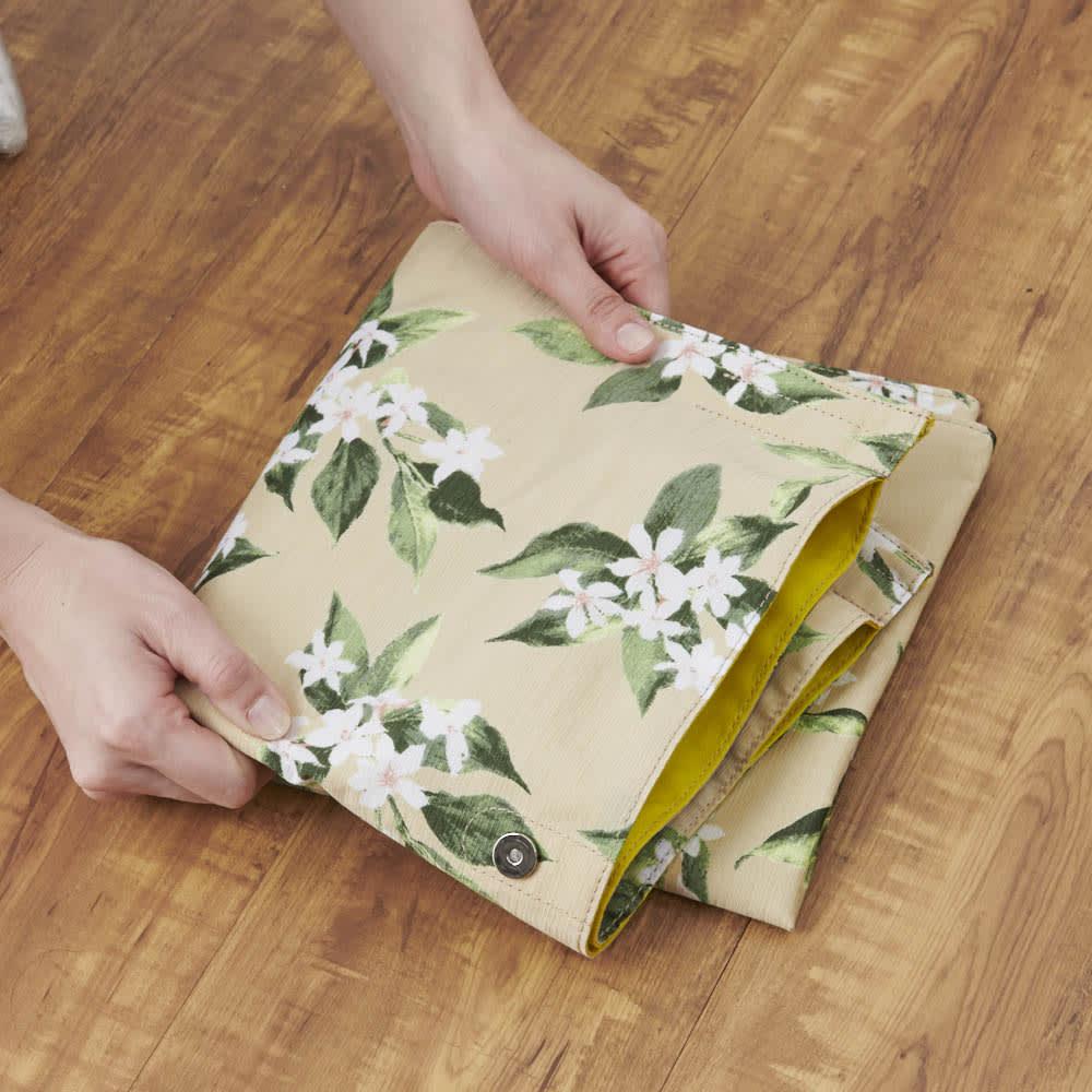 フラワープリントバッグ コンパクトに折り畳めます