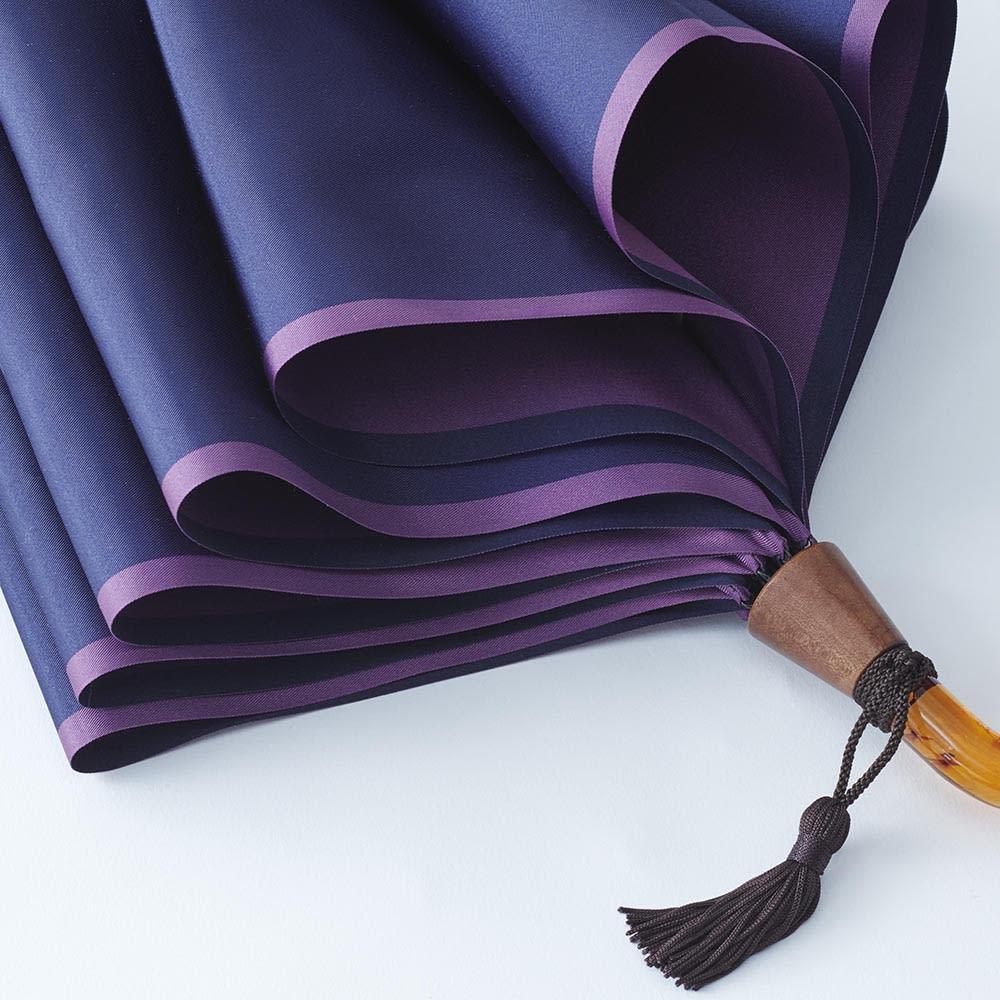[レディース]小宮商店 甲州織の晴雨兼用折畳み傘 (ア)ネイビー×パープル しっかりとした生地感。タッセルがおしゃれ。