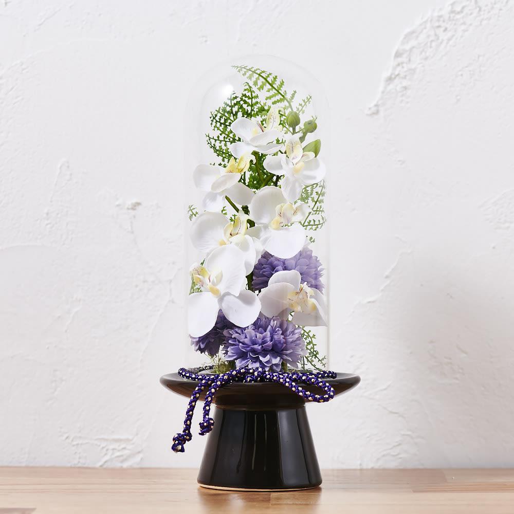ガラスドームの供花胡蝶蘭         (ア)ホワイト(ベースの色はブラウン)