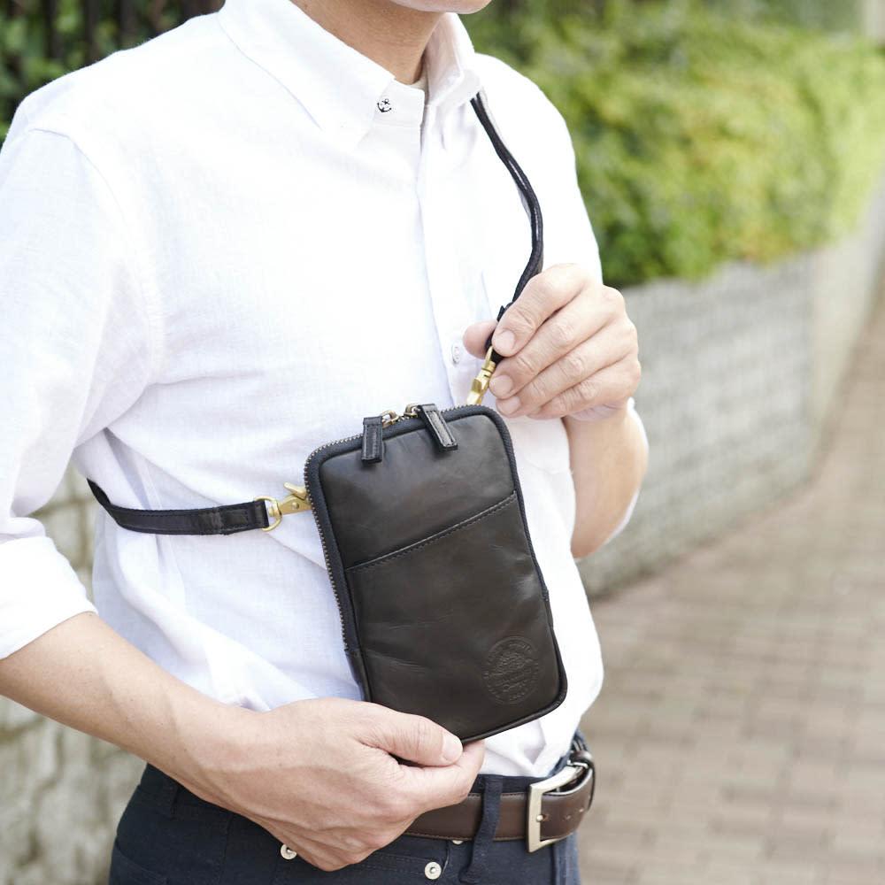 【メンズ】 Dakota/ダコタ 馬革ミニショルダーバッグ コンパクトなので、バッグインバッグとしても便利です