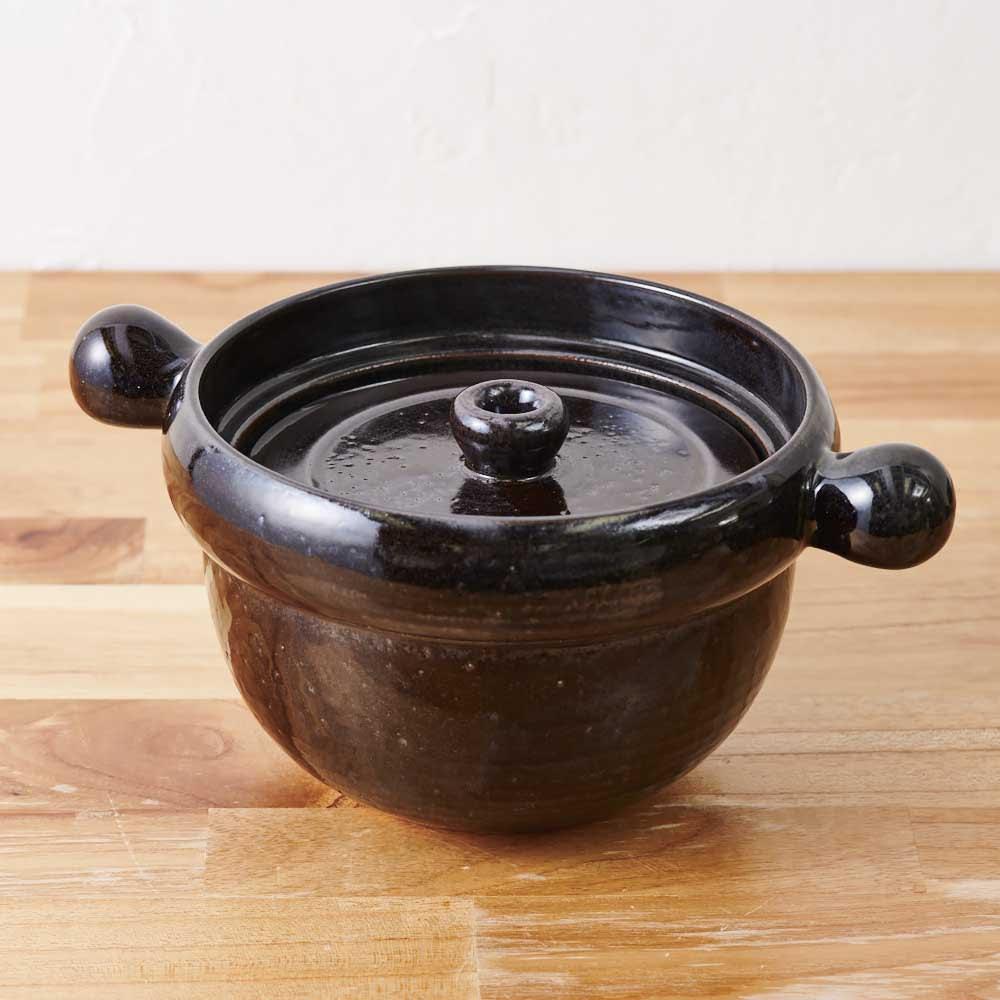 弥生陶園/萬古焼ごはん炊き土鍋 (2.5合炊き) 内蓋をつけた様子。