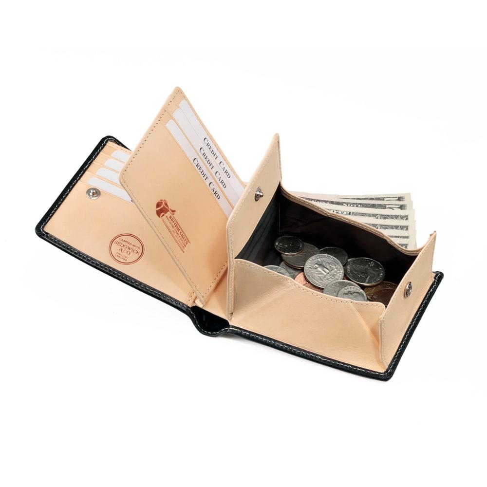 ブライドル レザー 二つ折り財布 (名入れ刻印・名入れオーダー) INSIDE カード入れはホックで開閉。見やすく探しやすい構造。
