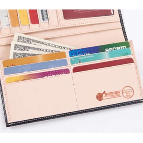 ブライドルレザー長財布(名入れ刻印・名入れオーダー) 札入れと小銭入れの前にも、カードポケットが6枚収納可