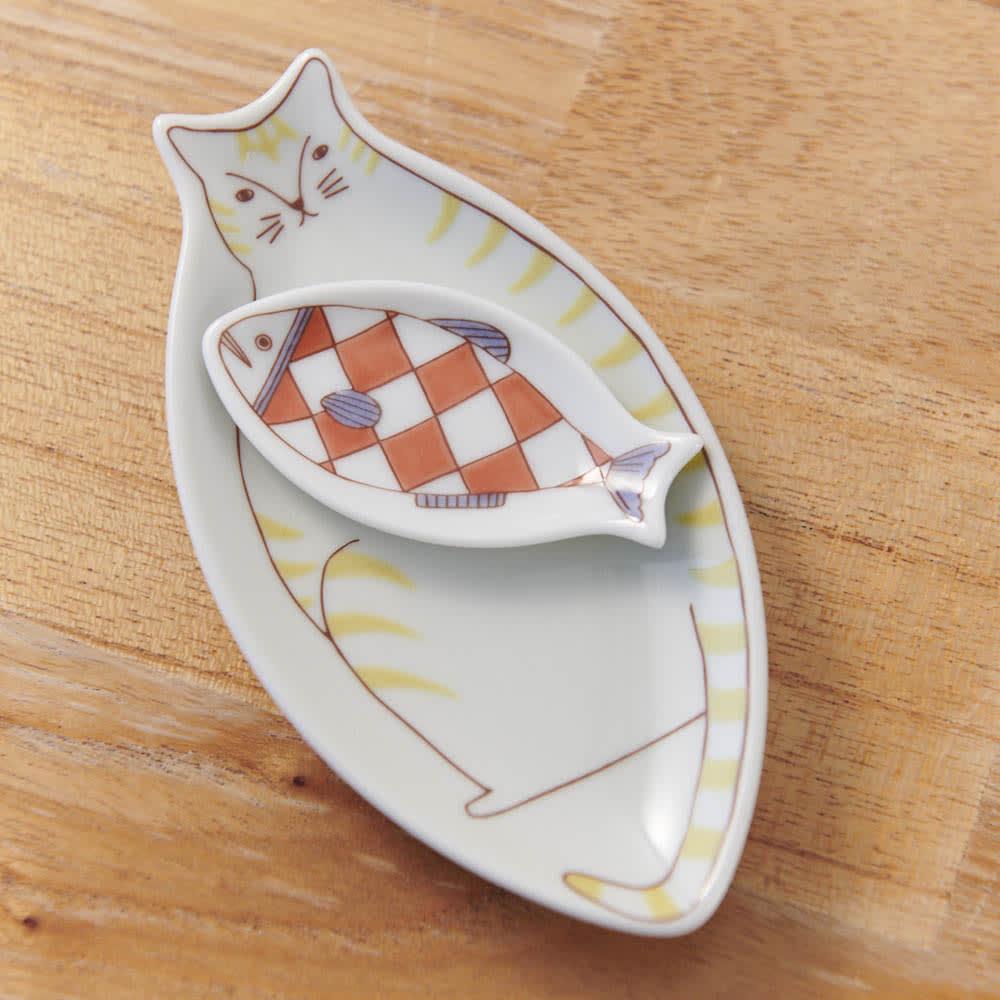 ハレクタニ 小ネコ皿 選べる2枚組
