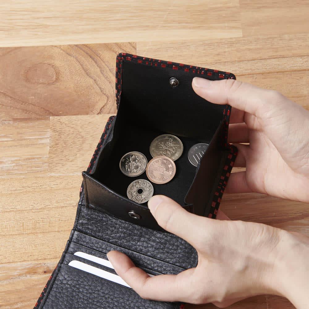 印伝さいふ ミニ財布 小銭もたっぷり入ります。