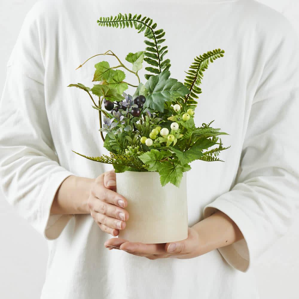 灯る仏花 グリーン お仏壇周りに起きやすいサイズ感。
