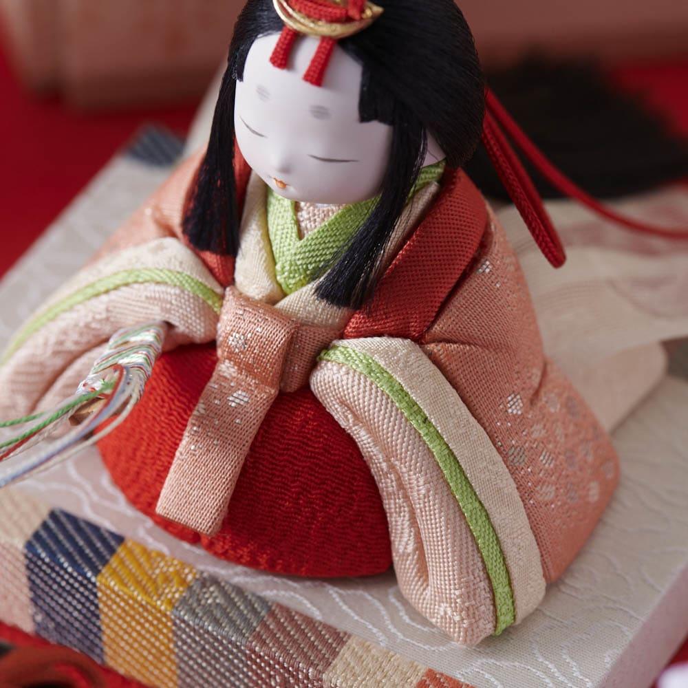 桐箱入とのとひめ 雛人形 細部まで、職人の技術が光ります