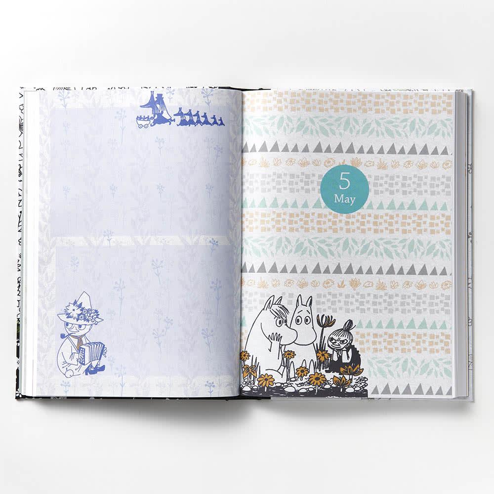 【ディノス限定販売】MOOMIN/ムーミン フルカラー5年日記(連用日記) 名入れあり 日記欄は「月扉ページ」をはじめ、毎月デザインが異なります。扉ページの反対側は、月によりフリースペースとしてお使いいただけます。