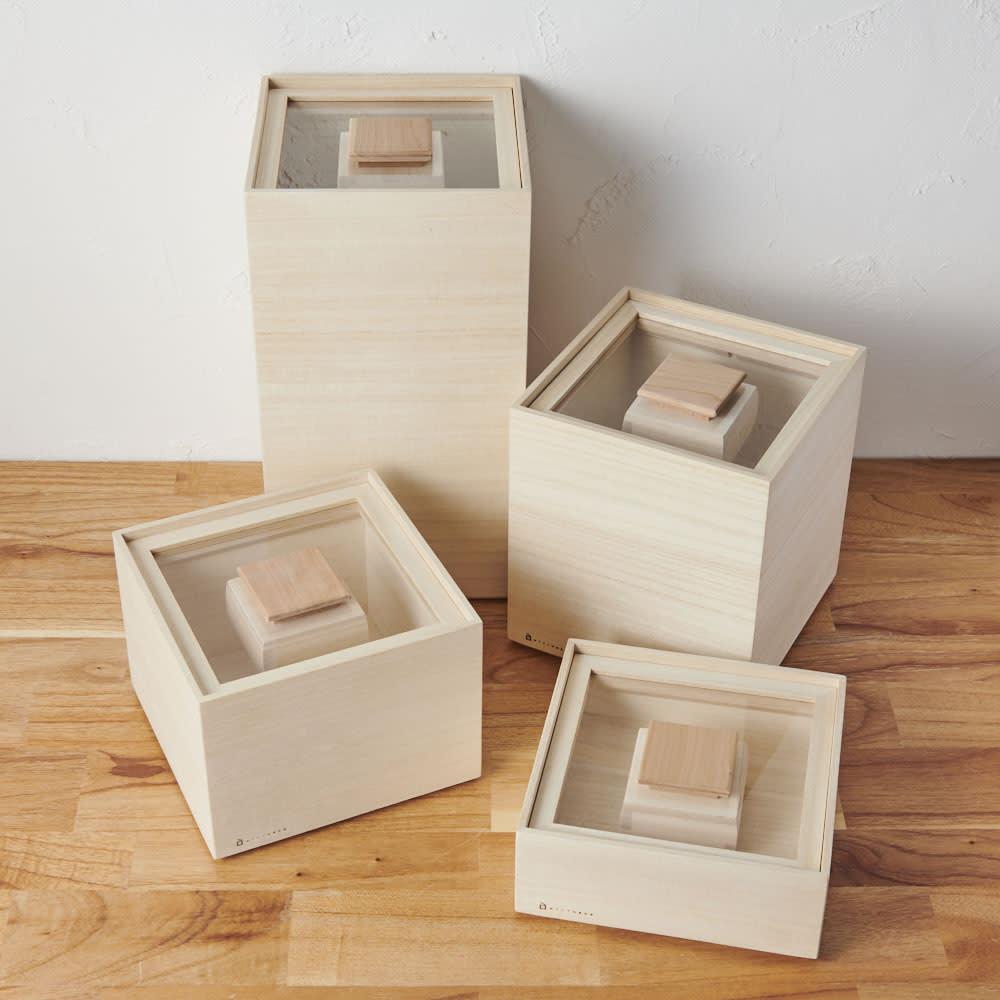 日本製 桐の米びつ 1kg 玄米用、白米用などで分けられるように、複数揃えると便利です。
